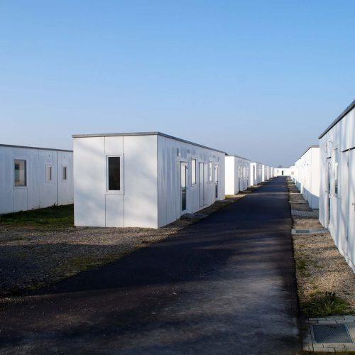 Vollausgestattete Container für die Asylunterkunftin Hamminke